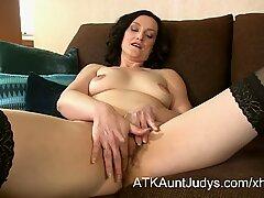 38 year old amateur MILF Emily Marshall  masturbates