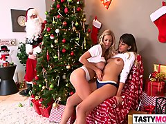 Sneaky santa fucks mom Alexis Fawx and stepdaughter