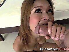 Very skinny 18 Thai pussy creampie