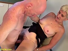 rough fingering a 83 years old hairy mom